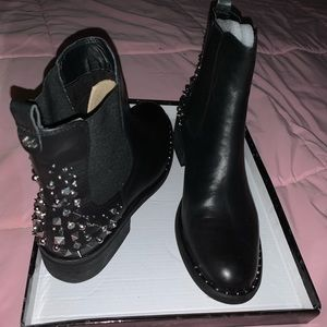 Sam Eldemman black leather studded shoe boots